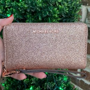🆕 Michael Kors Giftables Large Flat Phone Wallet